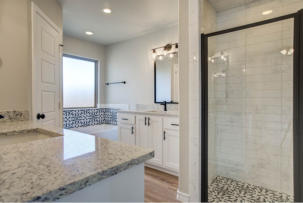 Spacious master bath in home for sale in Lubbock.