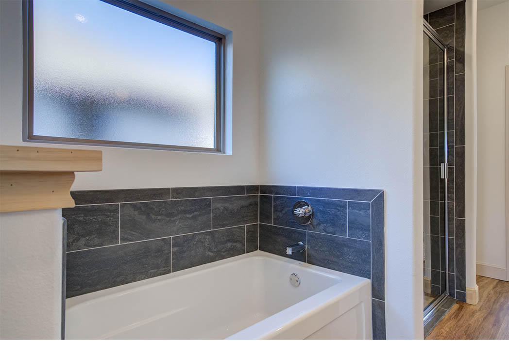 Master bath tub in beautiful new home for sale in Lubbock.