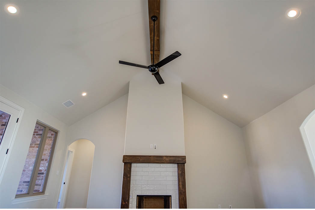 Vaulted ceiling in spacious living room in new house for sale in Lubbock.