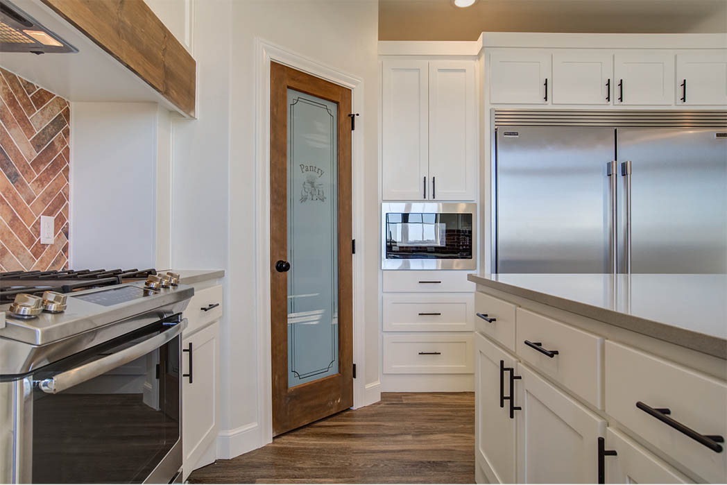 Beautiful kitchen in Lubbock, Texas home, for sale by Sharkey Custom Homes.
