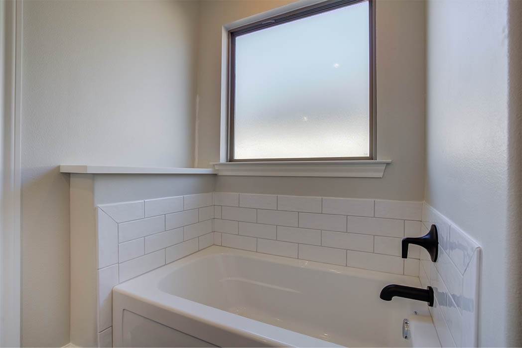 Master bath in new home for sale in Lubbock.