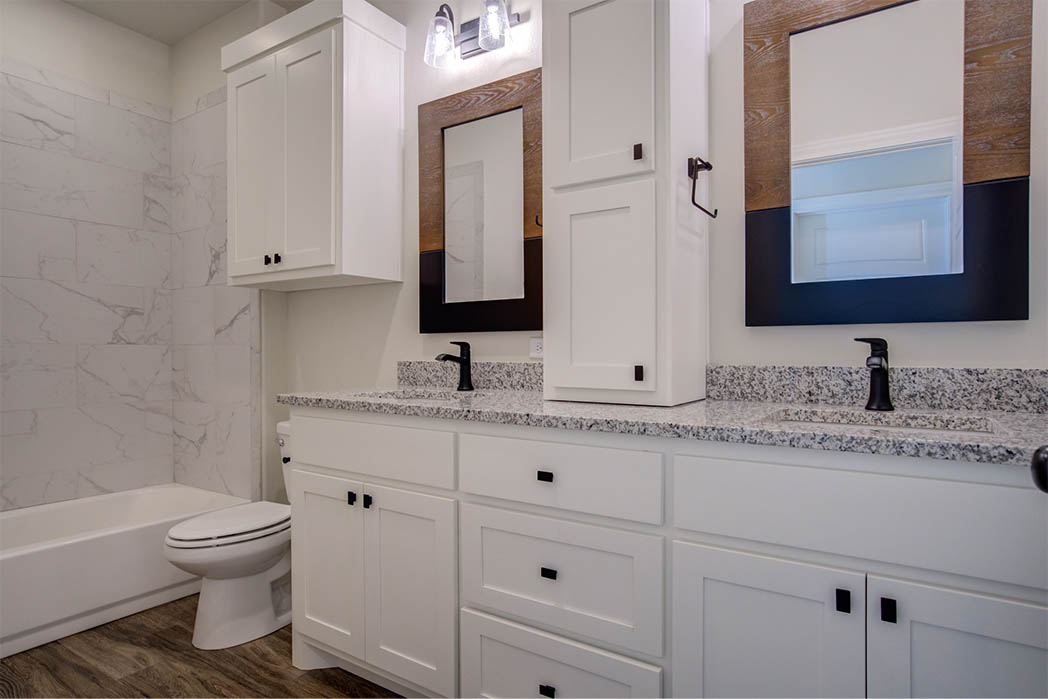 Beautiful guest bath in new Lubbock home for sale.