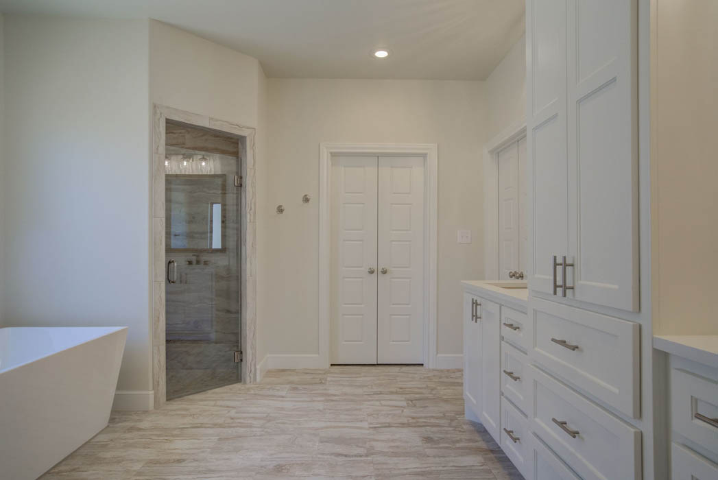 Master bath in new home for sale in Lubbock, Texas.