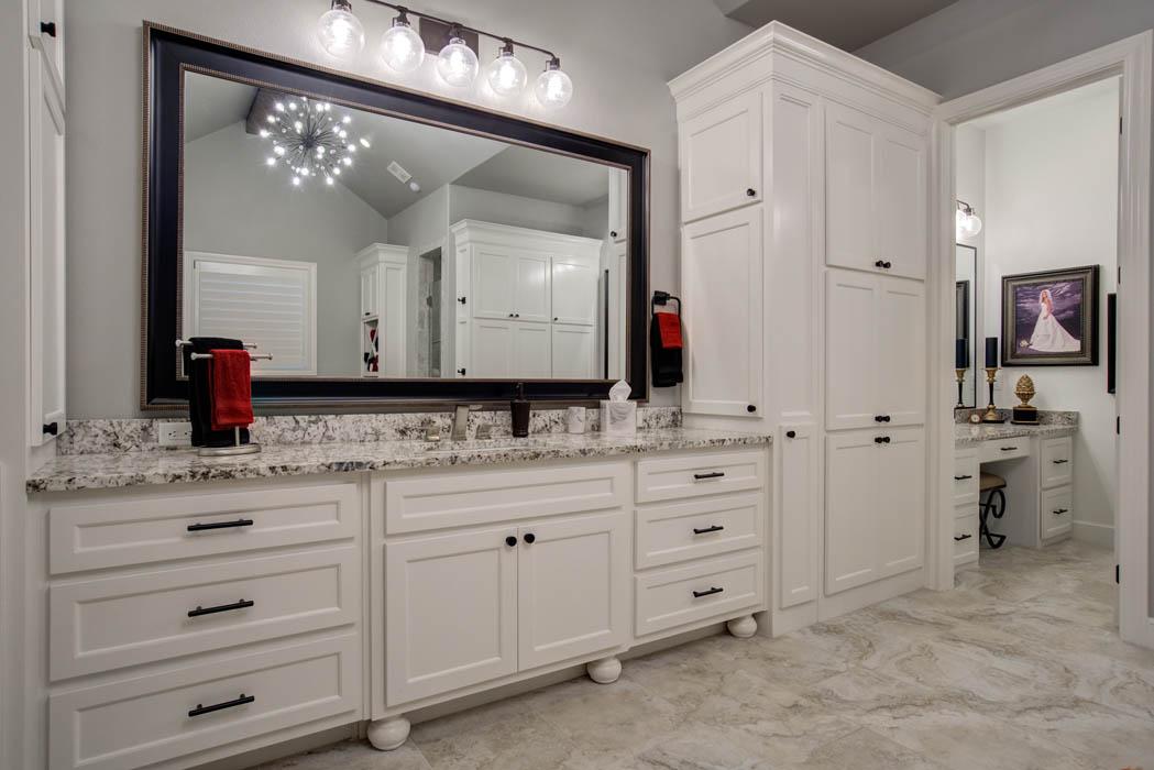 Master bath custom home in Lubbock, Texas.
