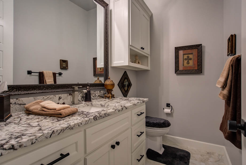 Guest bath in beautiful custom home in Lubbock.