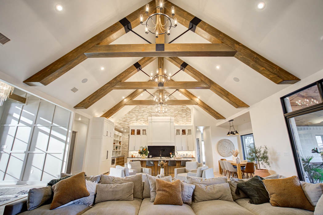 Vaulted ceiling in living area of custom home close to Lubbock, Texas.