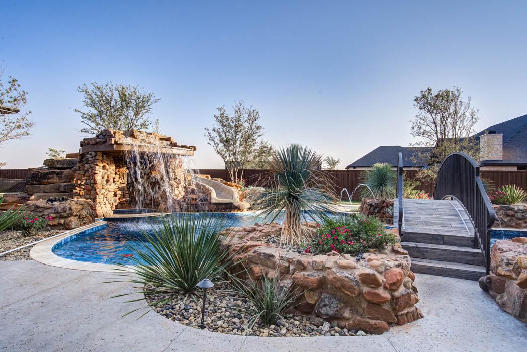 Beautiful swimming pool in Lubbock custom home.