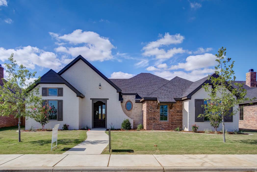 Beautiful home with stylish exterior, built by Sharkey Custom Homes in Lubbock, Texas.