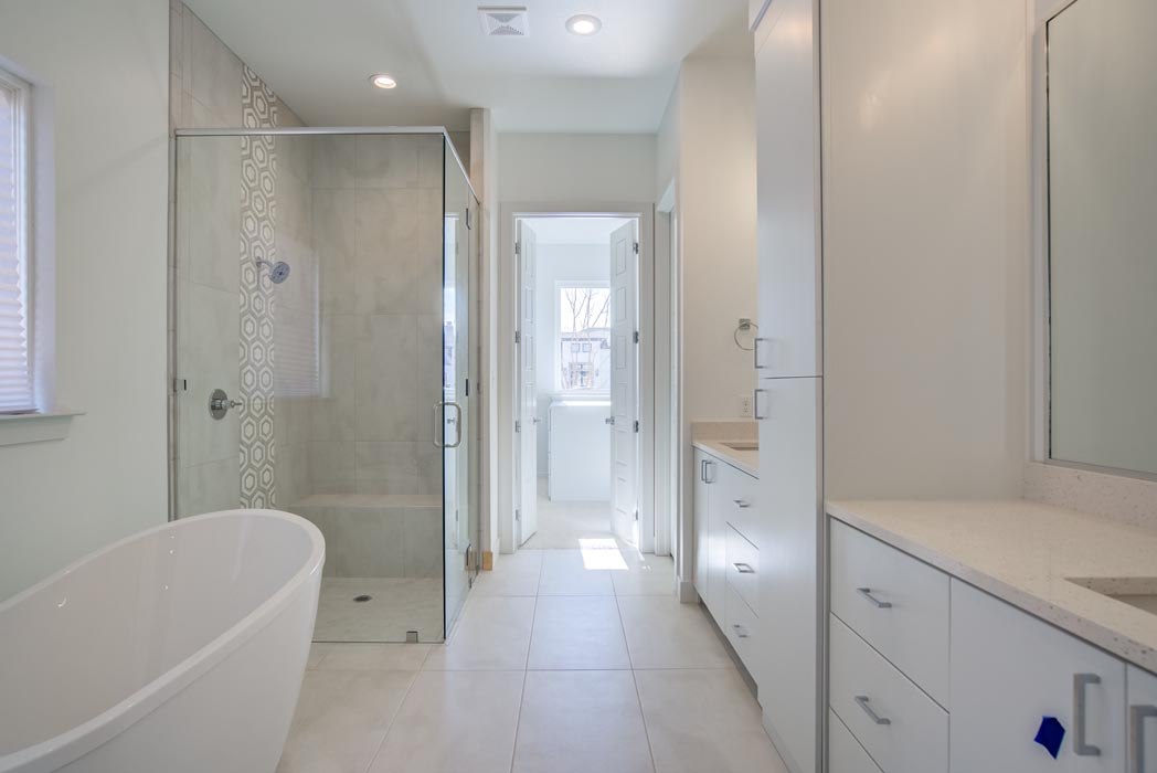 Beautiful master bath in new Lubbock, Texas home.