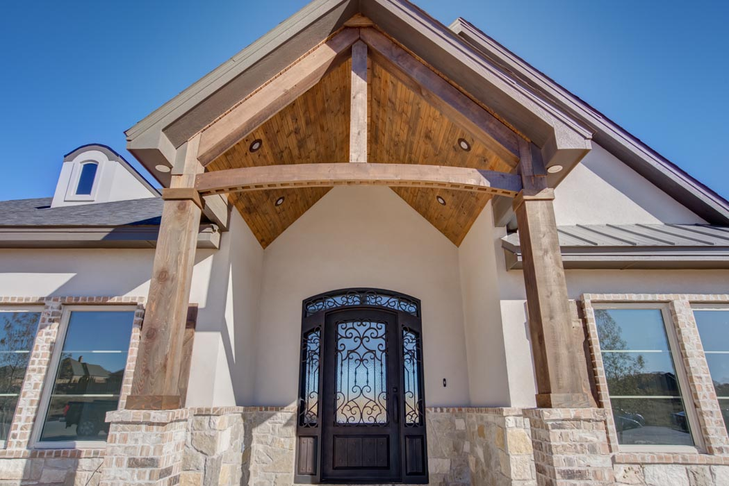 Detail of exterior entry foyer of custom home in the Lubbock area.