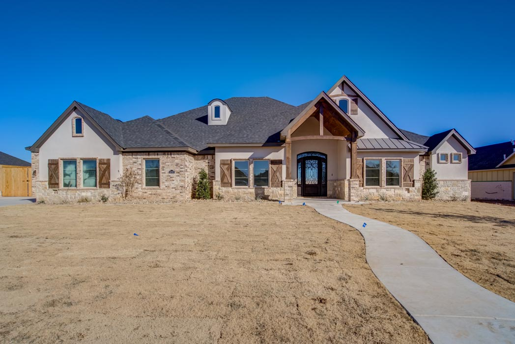 Exterior of beautiful new home built by Sharkey Custom Homes in Lubbock, Texas.