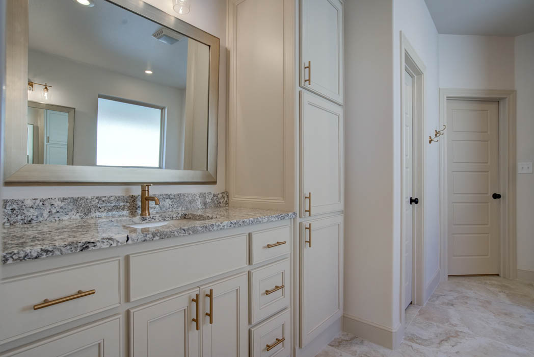 Beautiful master bath in home for sale by Sharkey Custom Homes.