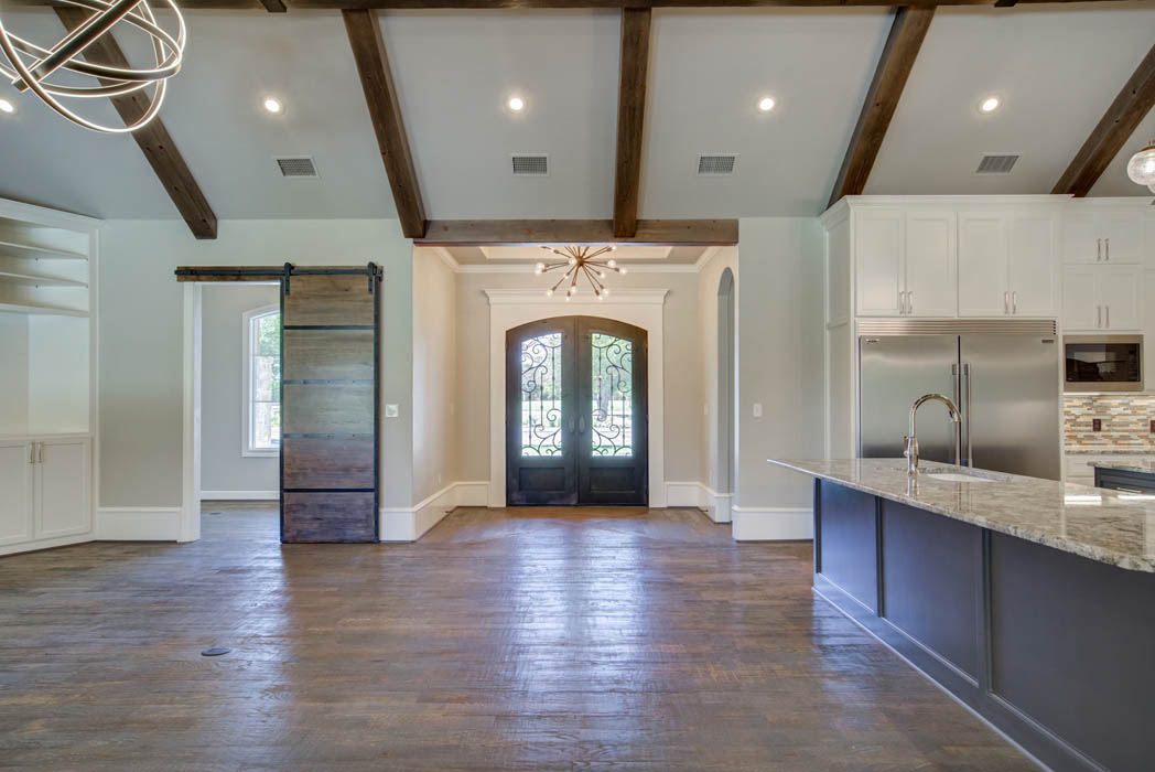 enterior of beautuiful custom home in Lubbock, Texas