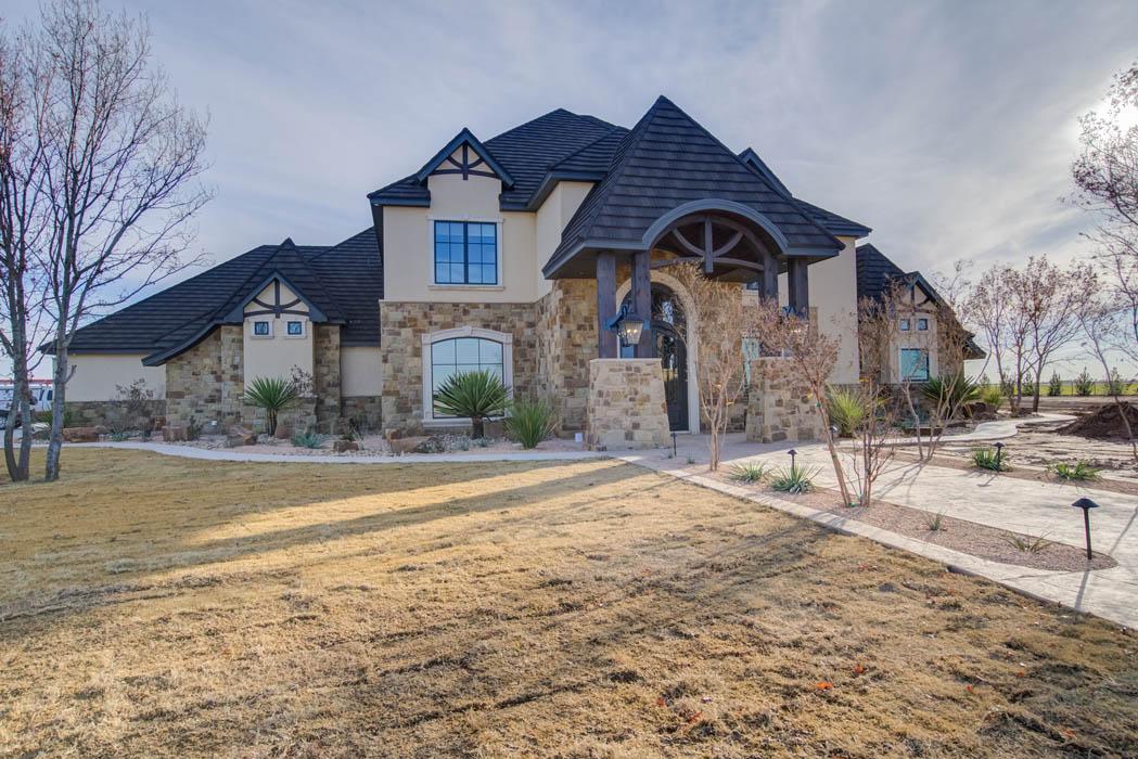 Exterior of beautiful custom home by Sharkey Custom Homes, near Lubbock, Texas.