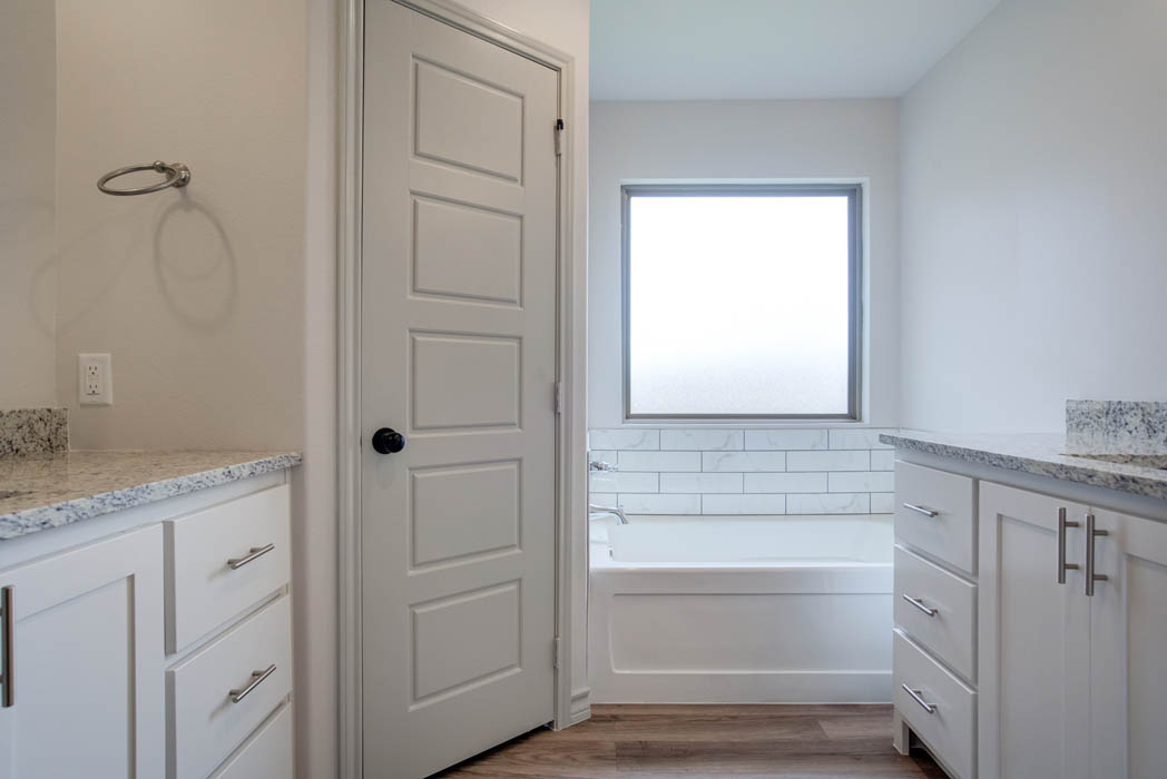 Spacious master bath in new home for sale in Lubbock, Texas.