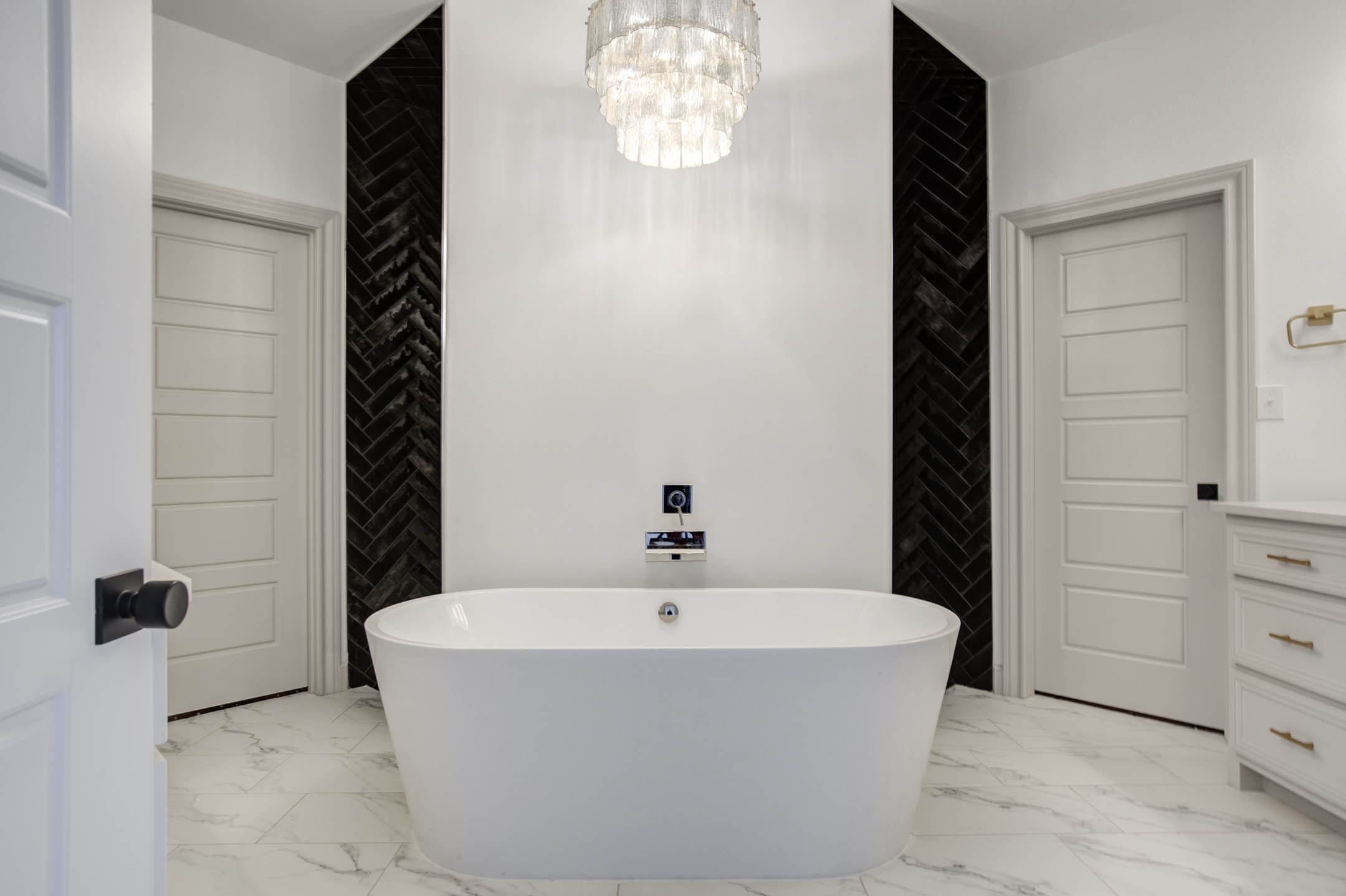 View of bathtub of master bath in beautiful home near Lubbock, Texas.