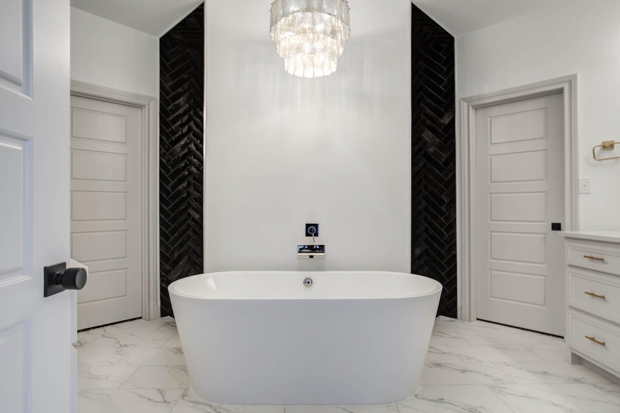 View of bathtub of master bath in beautiful home near Lubbock, Texas.