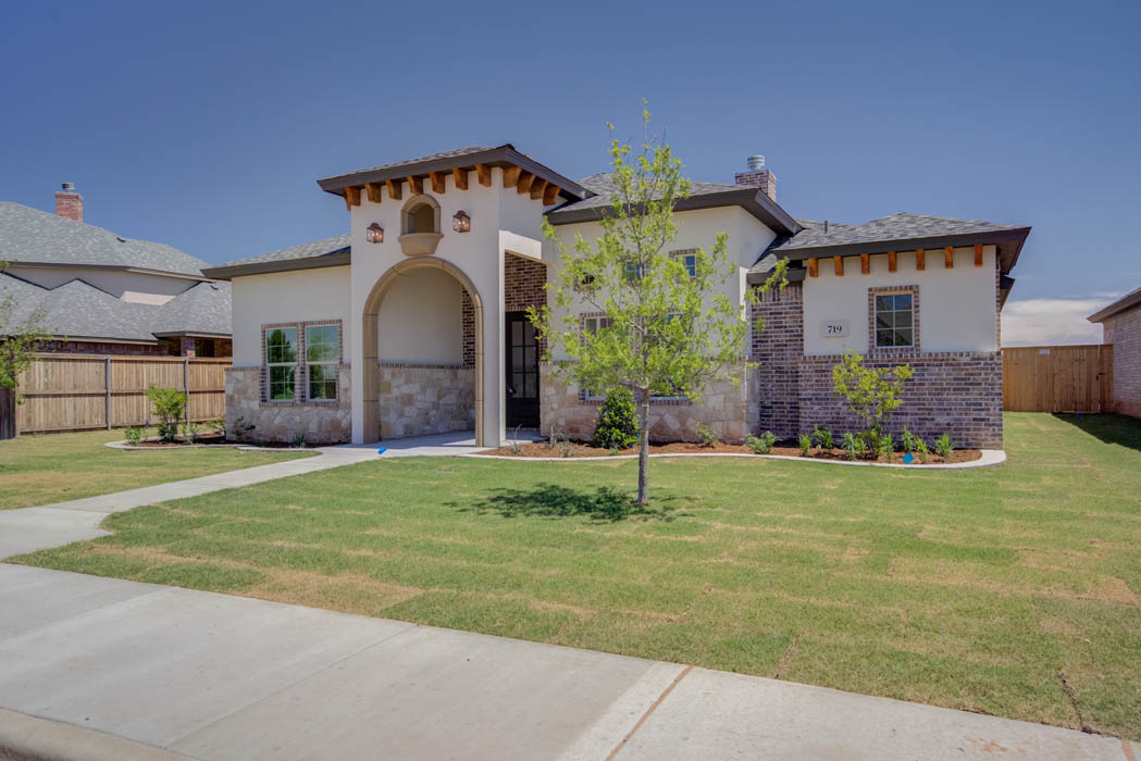 Exterior styling of beautiful new home in the Lubbock, Texas area.