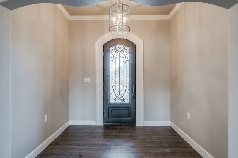 Beautiful door entry on custom home in Lubbock.