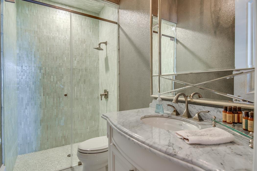 Beautiful bath in custom home built in Lubbock by Sharkey Custom Homes.