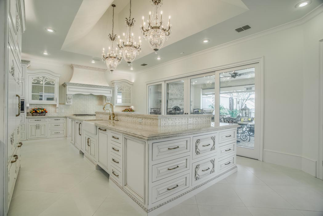 Example of beautiful kitchen in custom home built by Sharkey Custom Homes in Lubbock, Texas.