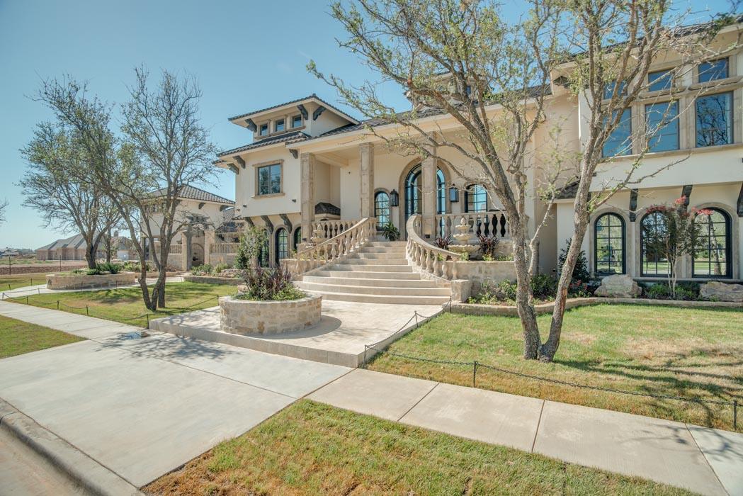 Exterior of beautiful custom home built by Sharkey Custom Homes in Lubbock, Texas.