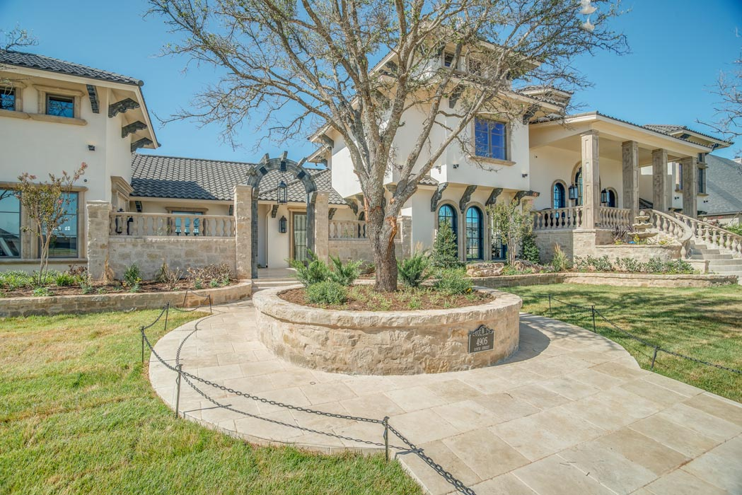 Exterior view of beautiful custom home built by Sharkey Custom Homes in Lubbock, Texas.