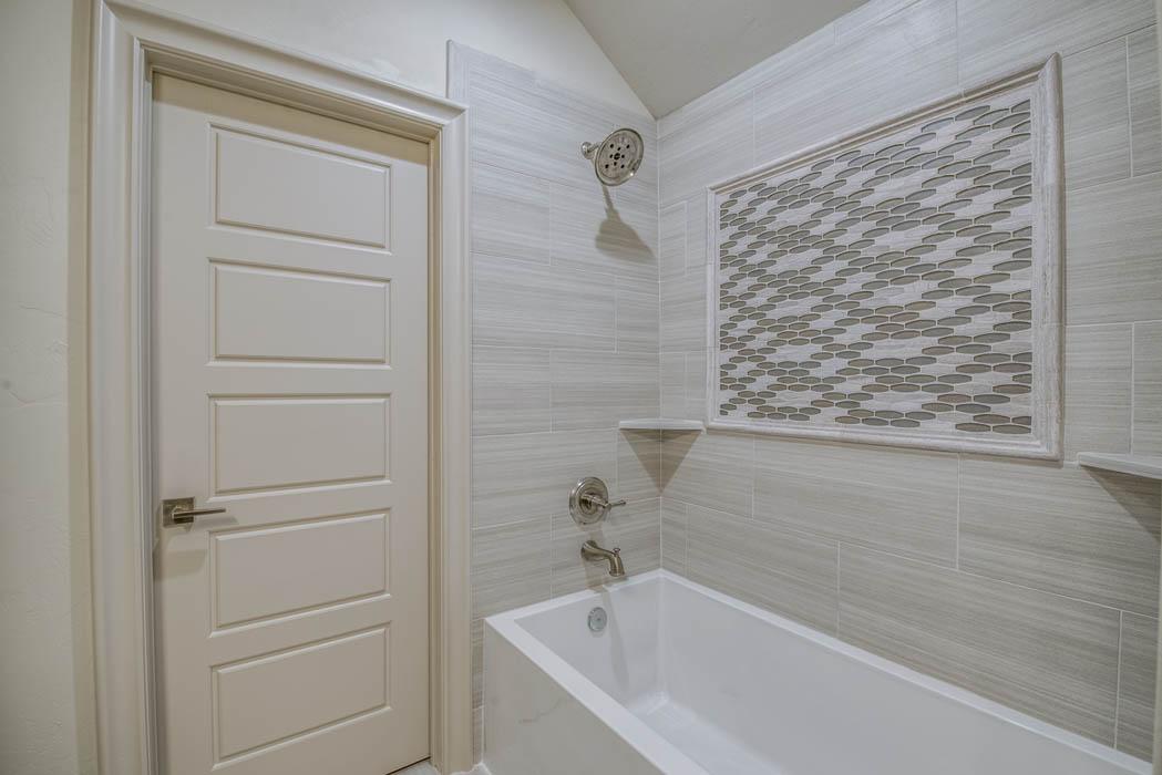 Bath detail in custom Lubbock home by Sharkey Custom Homes.