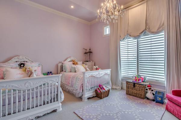 Amazing, spacious bedroom in Lubbock area home.