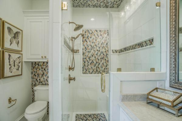 Amazing bath in Lubbock area home.