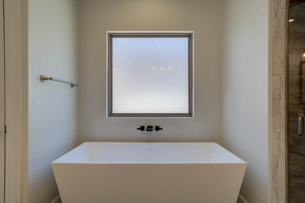 Beautiful bathtub in lovely Lubbock home.