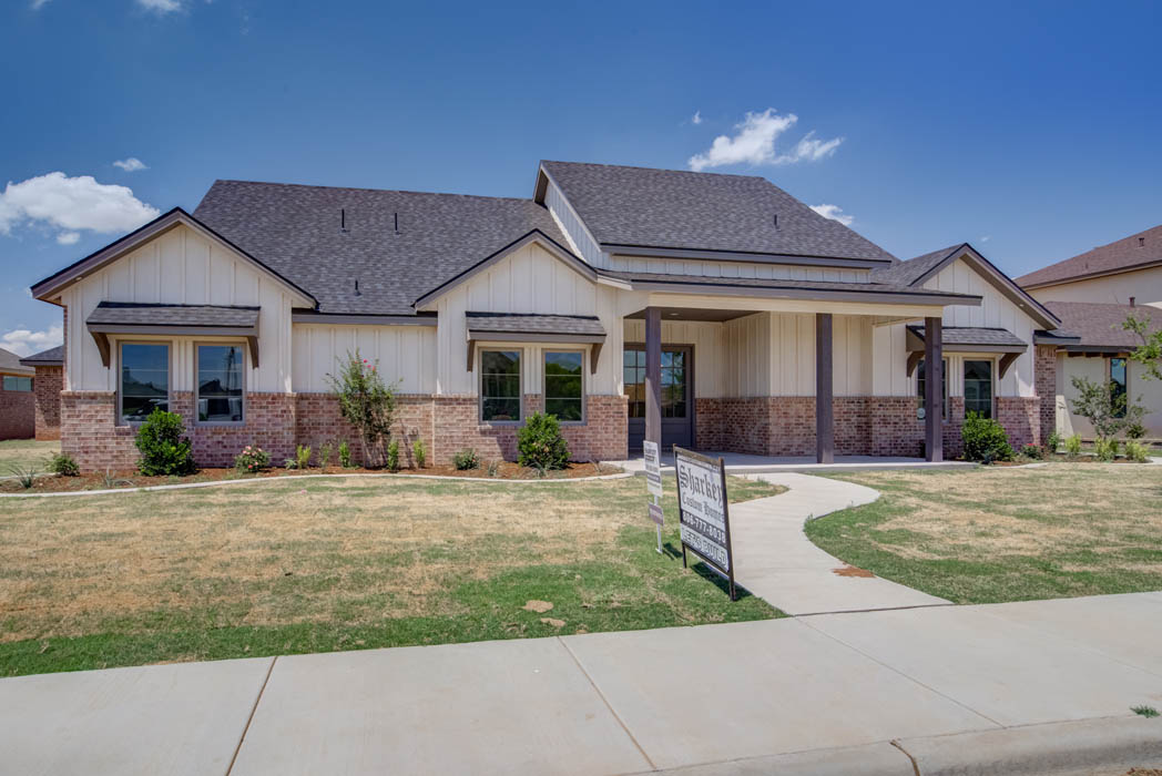 Exterior view of new home in Lubbock, Texas, by Sharkey Custom Homes.